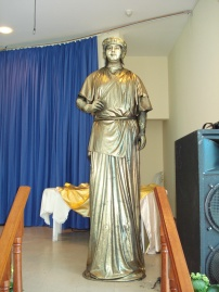 Estátua Viva Dourada