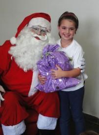 Papai Noel e menina